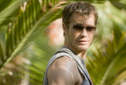 Timothy Olyphant wallpaper with a banana titled A Perfect Getaway Wallpaper