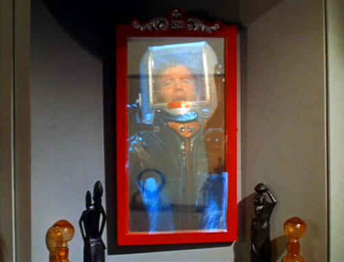 Captain Kirk in ''The Tholian web''