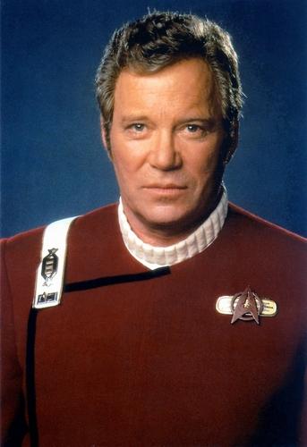 James T. Kirk fondo de pantalla called Captain Kirk