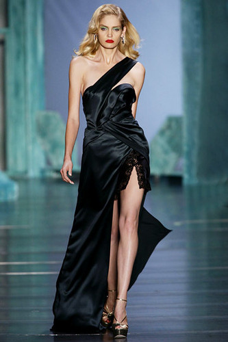 Dior Обои probably containing a ужин dress, a коктейль dress, and a strapless entitled Christian Dior Spring 2010 RTW