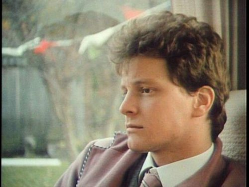 Colin Firth fond d'écran containing a business suit entitled Colin in Dutch Girls