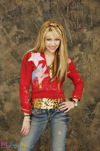 miley cyrus fondo de pantalla probably with a pantleg, long trousers, and bellbottom trousers called Hannah Montana Season 1 Promotional fotos [HQ] <3