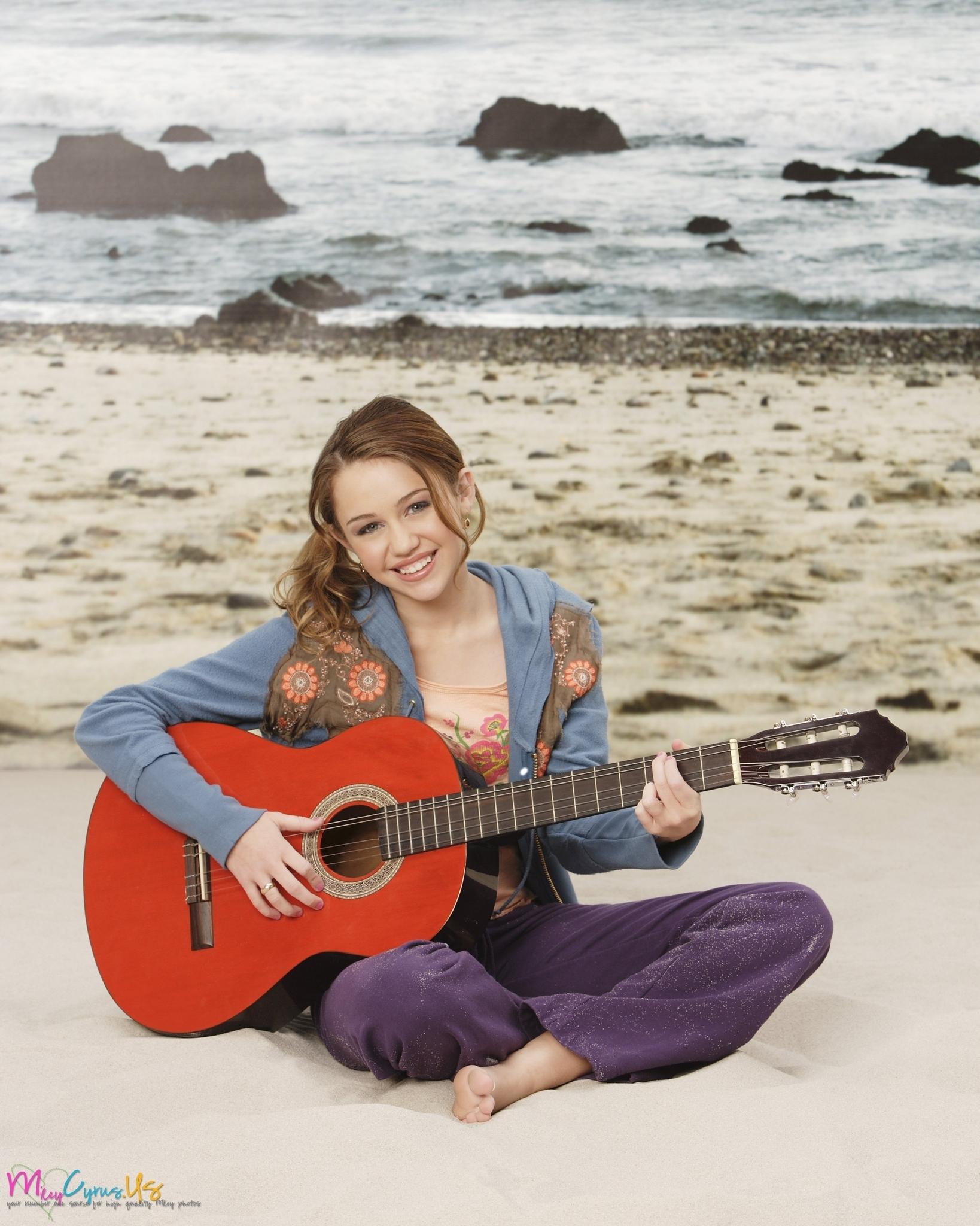 Hannah Montana Season 1 Promotional Photos [HQ] <3