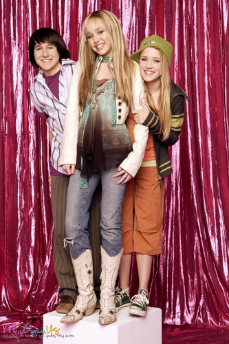 Hannah Montana Season 1 Promotional Photos [HQ] <3