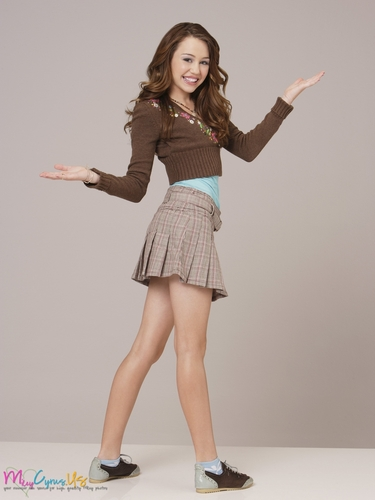 miley cyrus wallpaper probably containing bare legs and a hip boot called Hannah Montana Season 1 Promotional foto [HQ] <3
