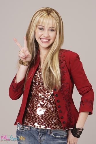 miley cyrus fondo de pantalla called Hannah Montana Season 1 Promotional fotos [HQ] <3