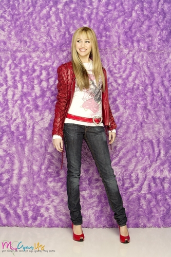 Hannah Montana wallpaper with bellbottom trousers, a pantleg, and long trousers entitled Hannah Montana Season 2 Promotional Photos [HQ] <3