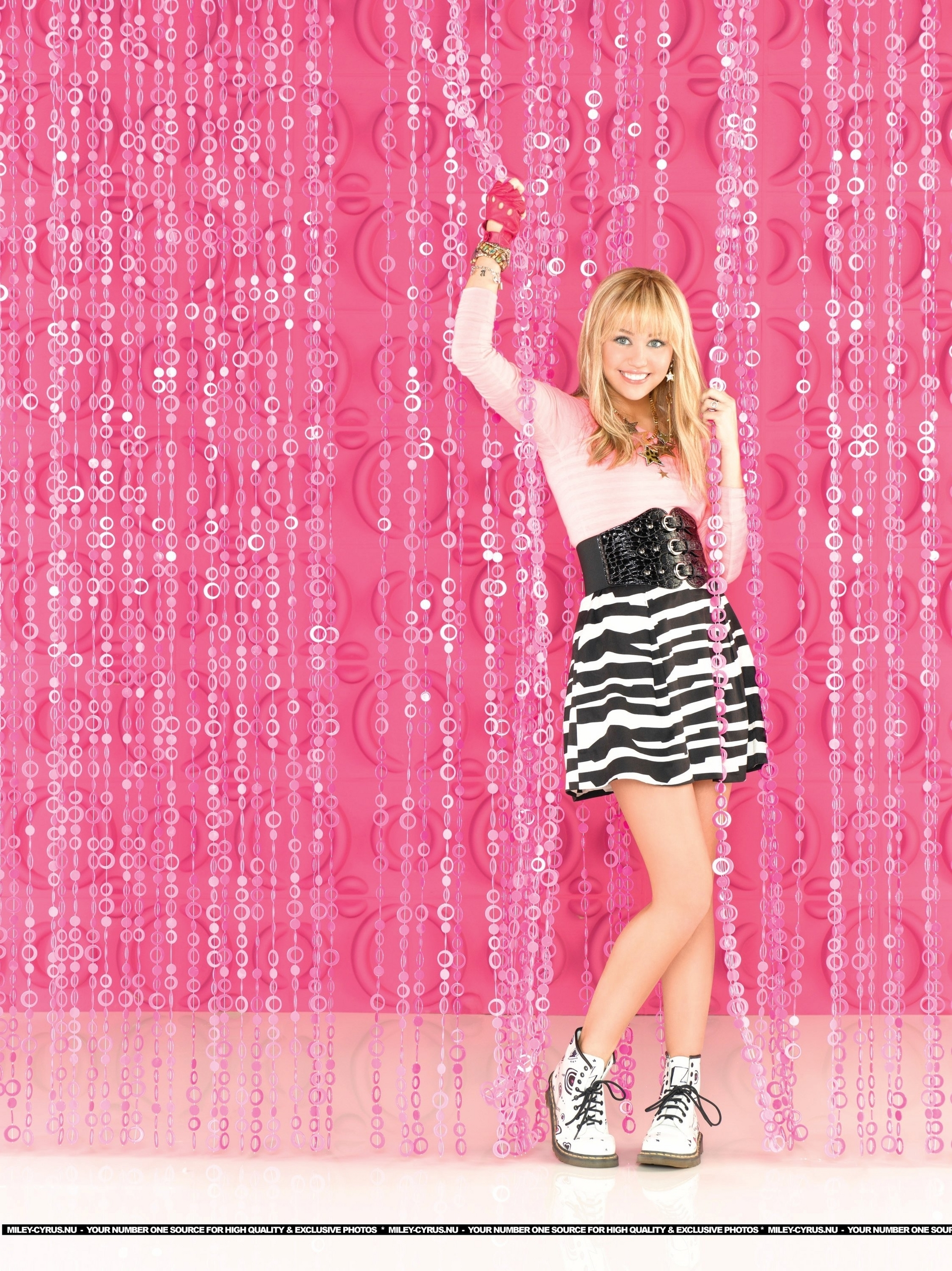 Hannah montana releases season 4 promo pictures to pin on pinterest