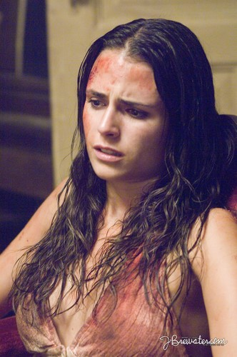 Horror 여배우 바탕화면 with a hot tub entitled Jordana Brewster