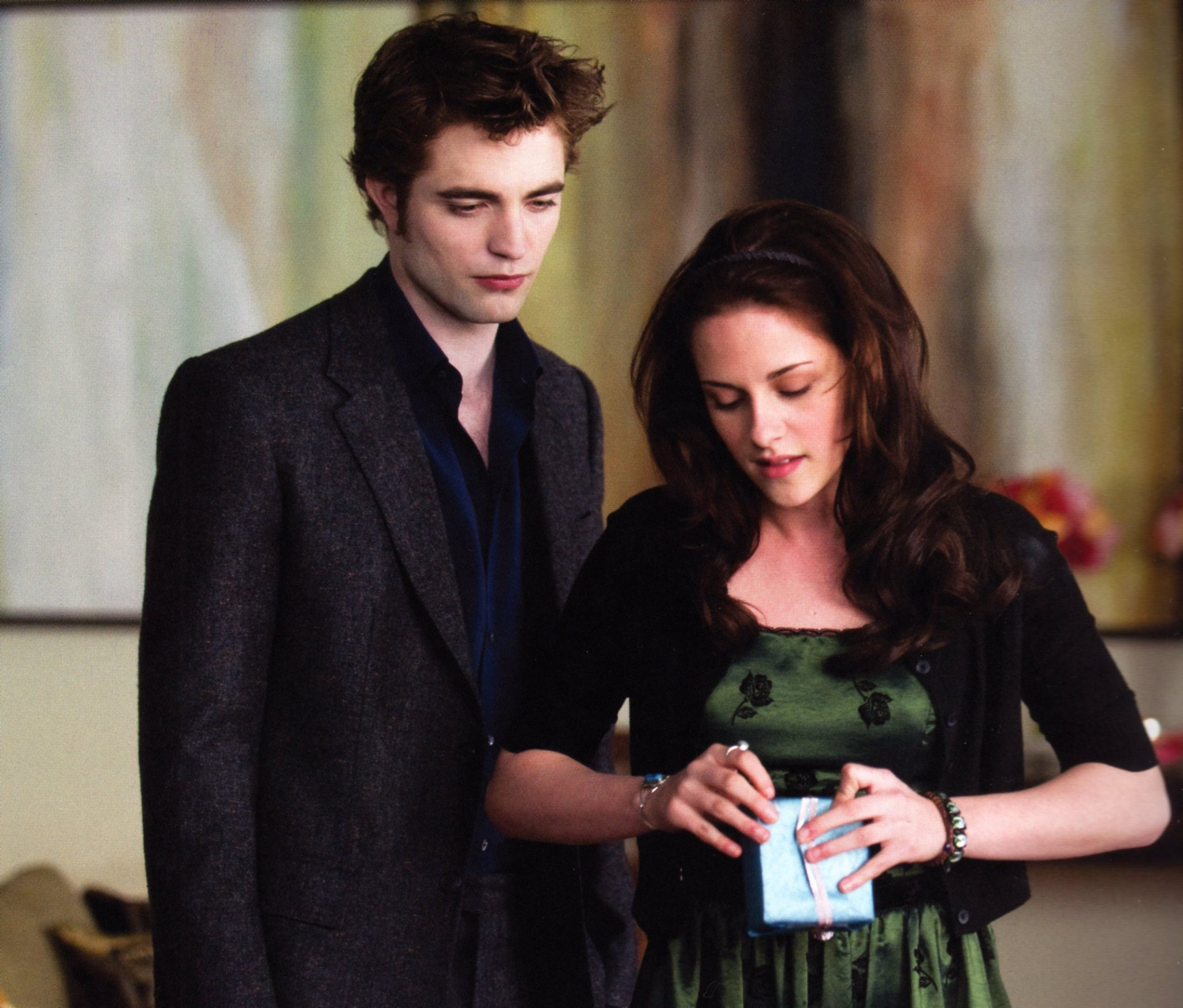 New Moon Movie Companion TOTALLY HQ!