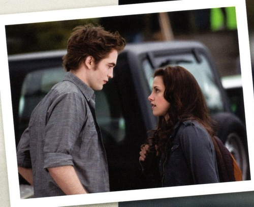 New Moon movie companion HQ