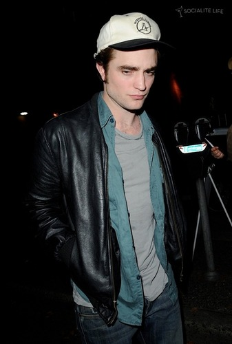 Robert Pattinson Out and About on October 3rd 2009