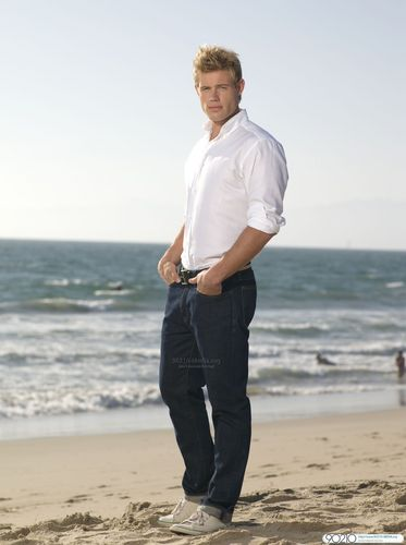 Season 2 Cast - Teddy - 90210 Photo