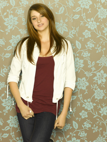 Shailene Woodley wallpaper probably containing a pantleg, a top, and a playsuit called Secret Life HQ Pics