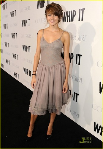 Shailene At the Whip It Premiere