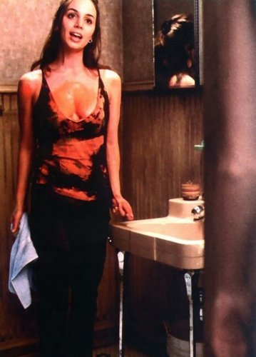 Horror Movies wallpaper possibly containing a cocktail dress entitled Soul Survivors