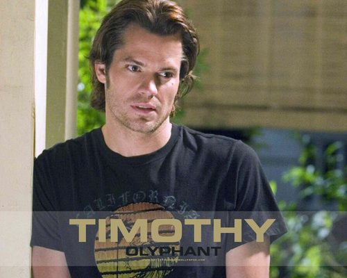 Timothy Olyphant پیپر وال probably with a jersey titled Timothy