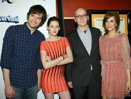 kristen stewar -2009: WITH BILL HADER,GREG MOTTOLA,AND KRISTEN WIIG AT THE ADVENTURELAND PREMIERE,LA