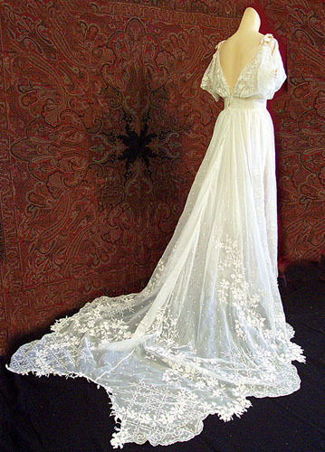 peignoir, robe de bella