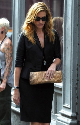 Julia Roberts filming in Tribeca (NYC)