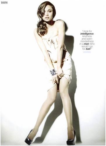 Olga Kurylenko | ES Magazine