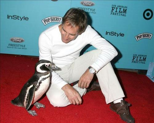 Scott Bakula loves động vật