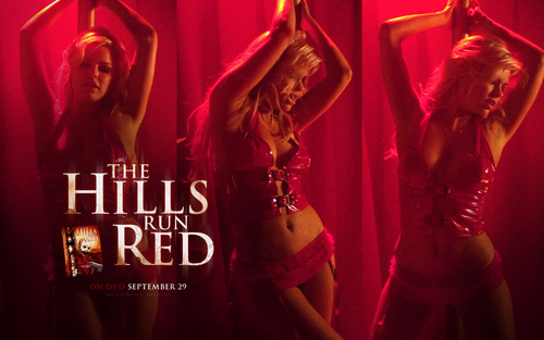 Filem Seram kertas dinding titled The Hills Run Red