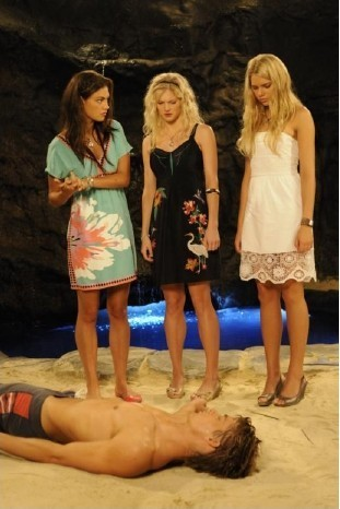 the girls at mako island