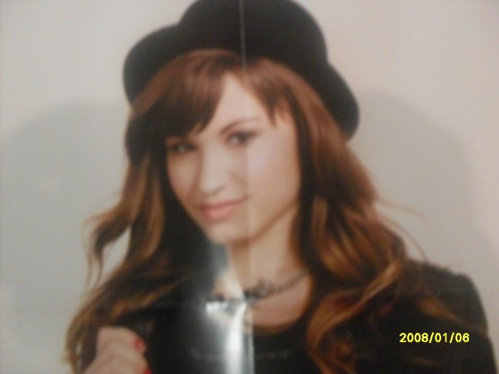 Demi Lovato Outfit Contest