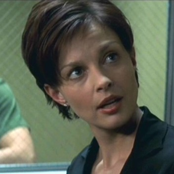 Of The Numerous Hairstyles Ashley Judd Has Sported In Her Films What Is Your Favorite Actrices Fanpop