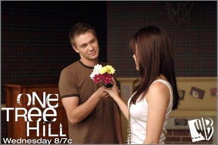 (Naley´s wedding) Brooke:I am holding on...