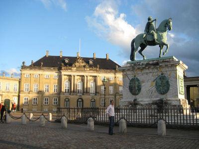 Who built Amalienborg?