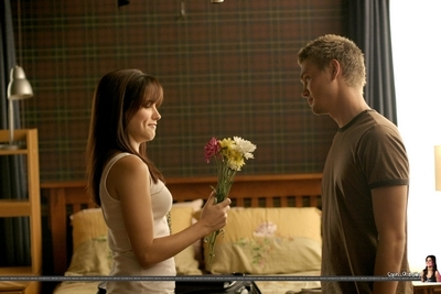 What was the name of the flowers Lucas gave Brooke in the season 3 premiere?