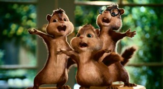 "In the 2007 movie, when Dave and the boys were at the supermarket, what version of ""The Chipmunk Song"" was heard?"