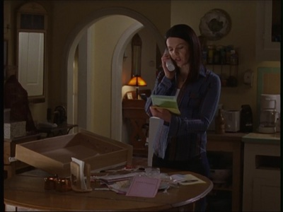 According to Rory, which place did she think had really good camarón rolls out of the places Lorelai lists?