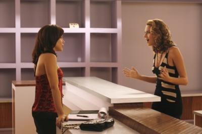 Season 5: What are Brooke and Peyton talking about in this picture?