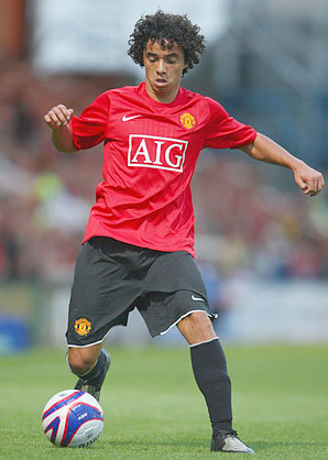 What number does Rafael Da Silva wear on his shirt?