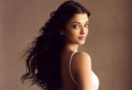 Where was the beautiful Aishwarya Rai born?