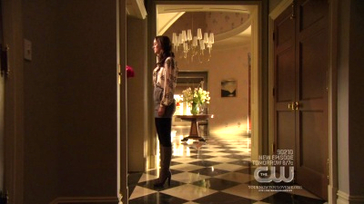 What kind of flowers did Chuck give Blair at the end of 2x15?