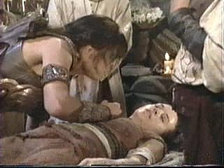 How many times does Xena scream for Gabrielle to wake up in Is There A Doctor In The House?
