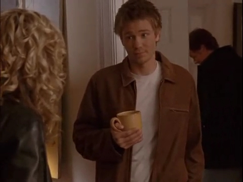 s1, What did Luke do to convince Peyton's Dad Larry to stay in Tree Hill, instead of going to NZ?