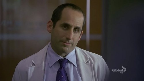 (5x12)House: 'Why aren't you guys still talking ?'