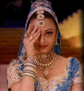 what is Aishwarya's name in hum dil de chuke sanam?