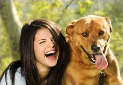 what is selena's dog's name?