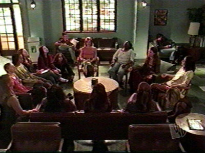 How many girls are there in the wicca group in Hush? Including Willow