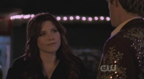 Chris: So wewe just wanna talk? Brooke:__________________