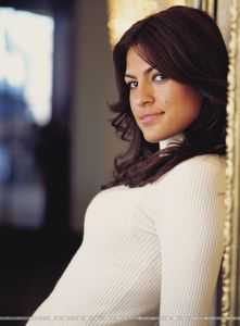 Who Is She Talking About ? I'm obsessed with __________. I think that she's just got it down. She takes chances, she's edgy, but she's always a lady. She is so beautiful'
