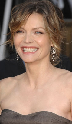 Which actor wrote poetry for Michelle Pfeiffer ?