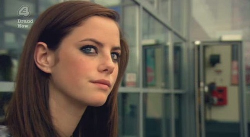 Skins - Who does Effy have sex with in 3x01?