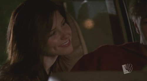 T/F:Brooke had mittens on in this scene?